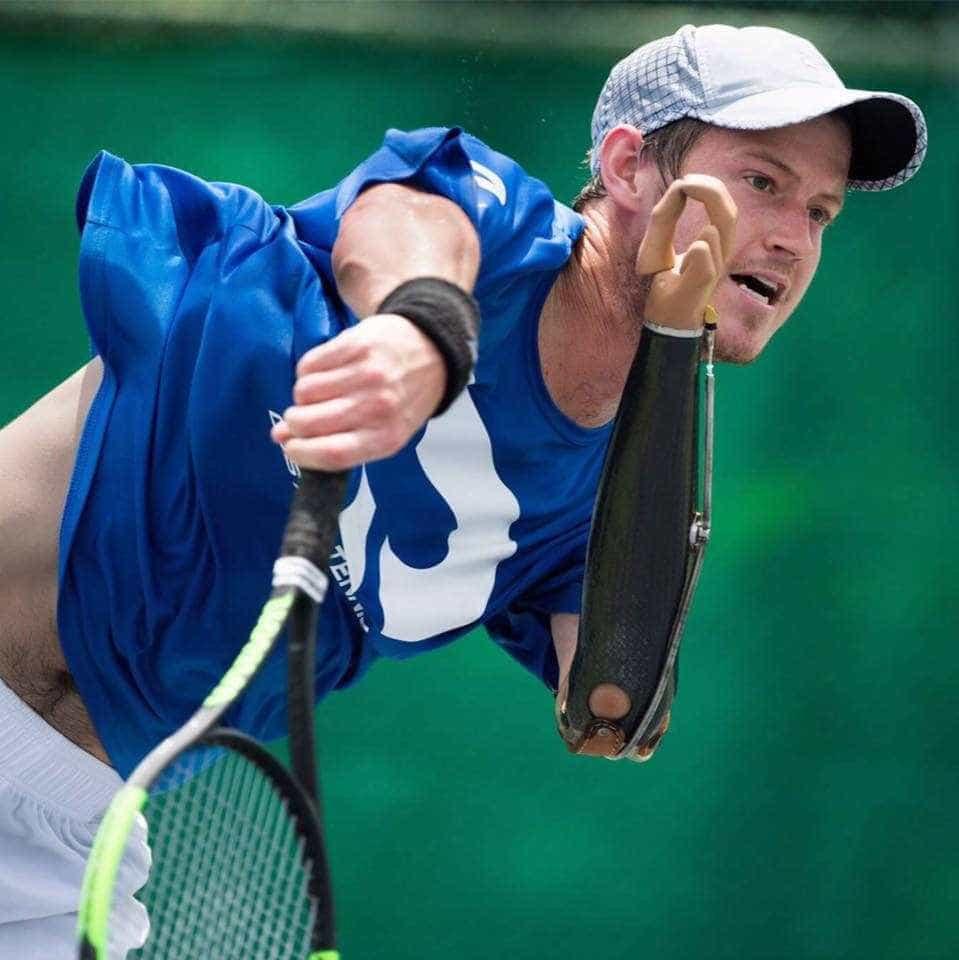 Tenista sem um dos braços é o 1º deficiente a pontuar no ranking ATP